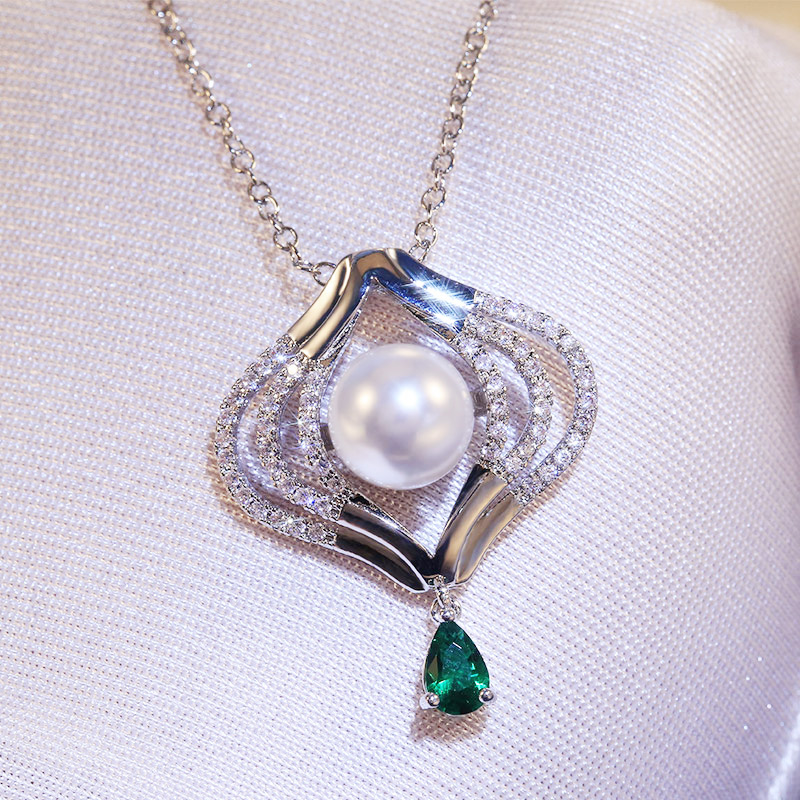 Huitan Fashion Design with CZ Stone Imitation Pearl Pendents Anniversary Party Necklace Elegant Women Accessories Jewelry