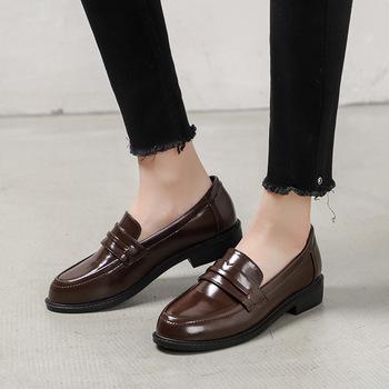 Brązowe Oxford pojedyncze buty damskie brytyjskie sukienki brązowe skórzane buty student slip on mikrofibra pnącza miękkie wygodne mieszkania mokasyny tanie i dobre opinie MOBI Oksfordzie Okrągły nosek Szycia Slip-on RUBBER Pasuje mniejszy niż zwykle proszę sprawdzić ten sklep jest dobór informacji