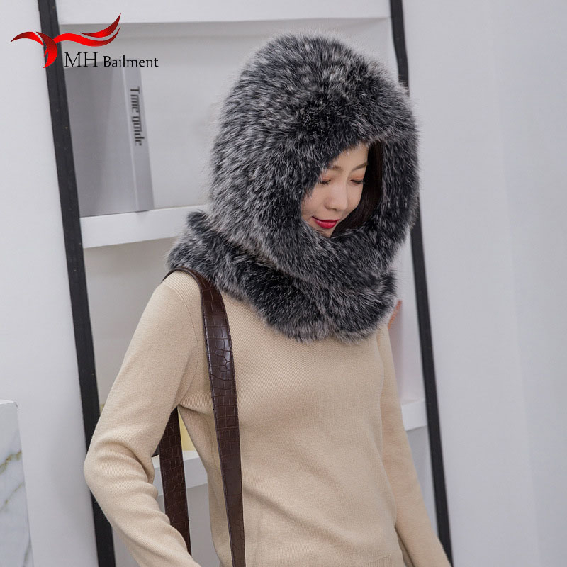 2019 Winter New Real Fox Fur Hat Scarf Snow Cap Outdoor Warm Fur Hat Wild Earmuffs Scarf Hat Female Fashion Brand Hat Set Female