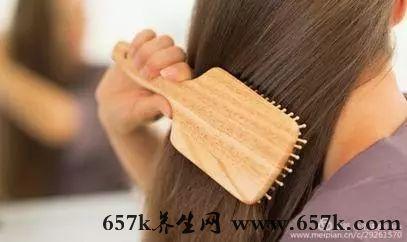 梳頭的好處 這6個方法幫你保護頭發