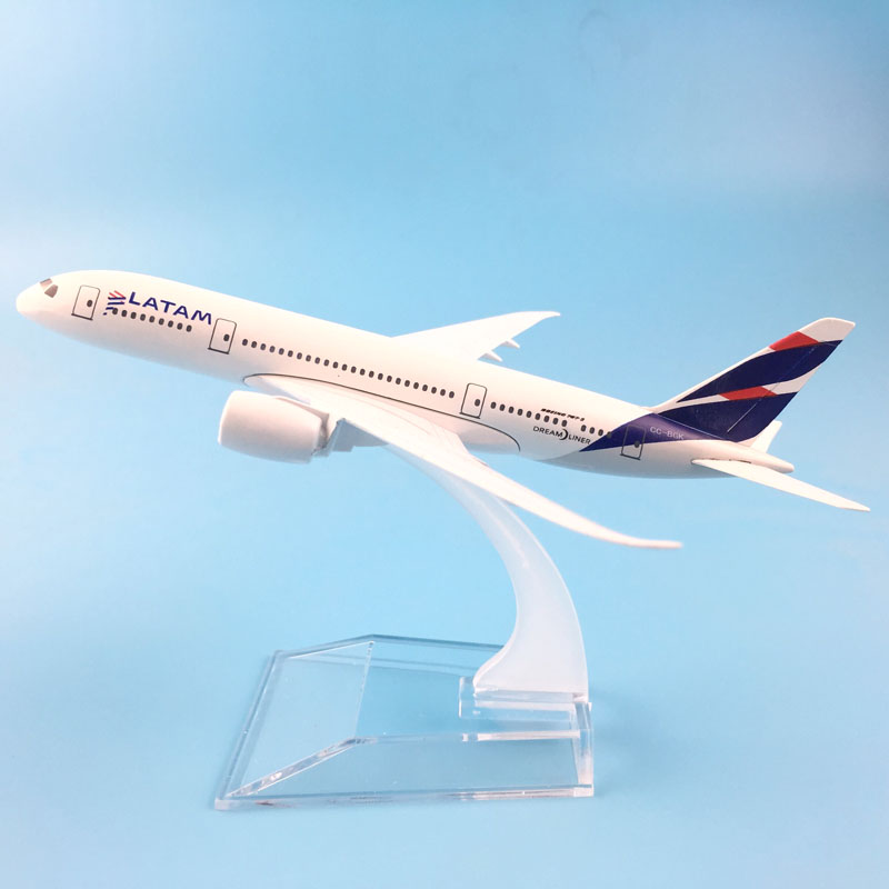 AIRLINER 16CM  BOEING787 LATAM  AIRWAYS  MODEL PLANE  MODEL TOYS FOR CHILDREN AIRCRAFT FOR CHRISTMAS TOYS ORNAMENT
