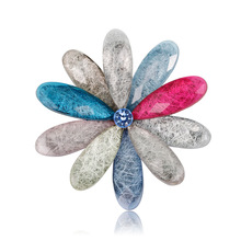 Custom fashion ornaments with small fresh color petals brooch acrylic Ms. shawl buckle chest flowers