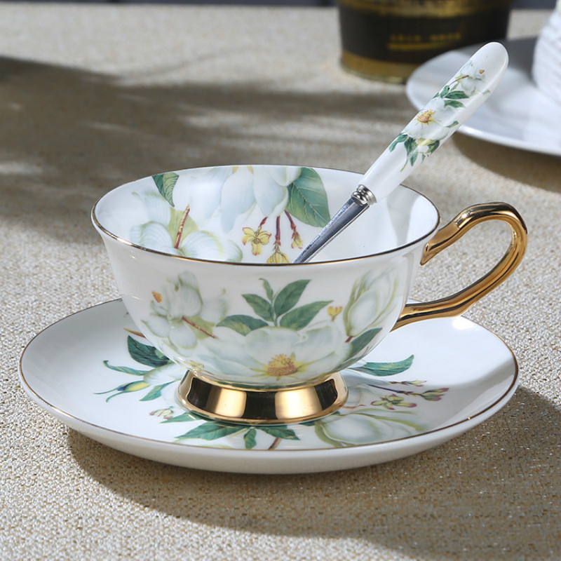 European Style Bone China <font><b>Coffee</b></font> <font><b>Cup</b></font> And Saucer <font><b>Coffee</b></font> <font><b>Cup</b></font> <font><b>Set</b></font> English Afternoon Tea <font><b>Cup</b></font> With a vVariety Of StylesTo Choose image