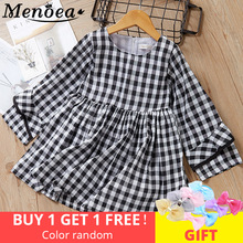 цена на Menoea Girls Dress 2017 Fashion Summer Style Brand Kids Dress Peter pan Collar Sleeveless Striped Pattern Pring for Baby Dress