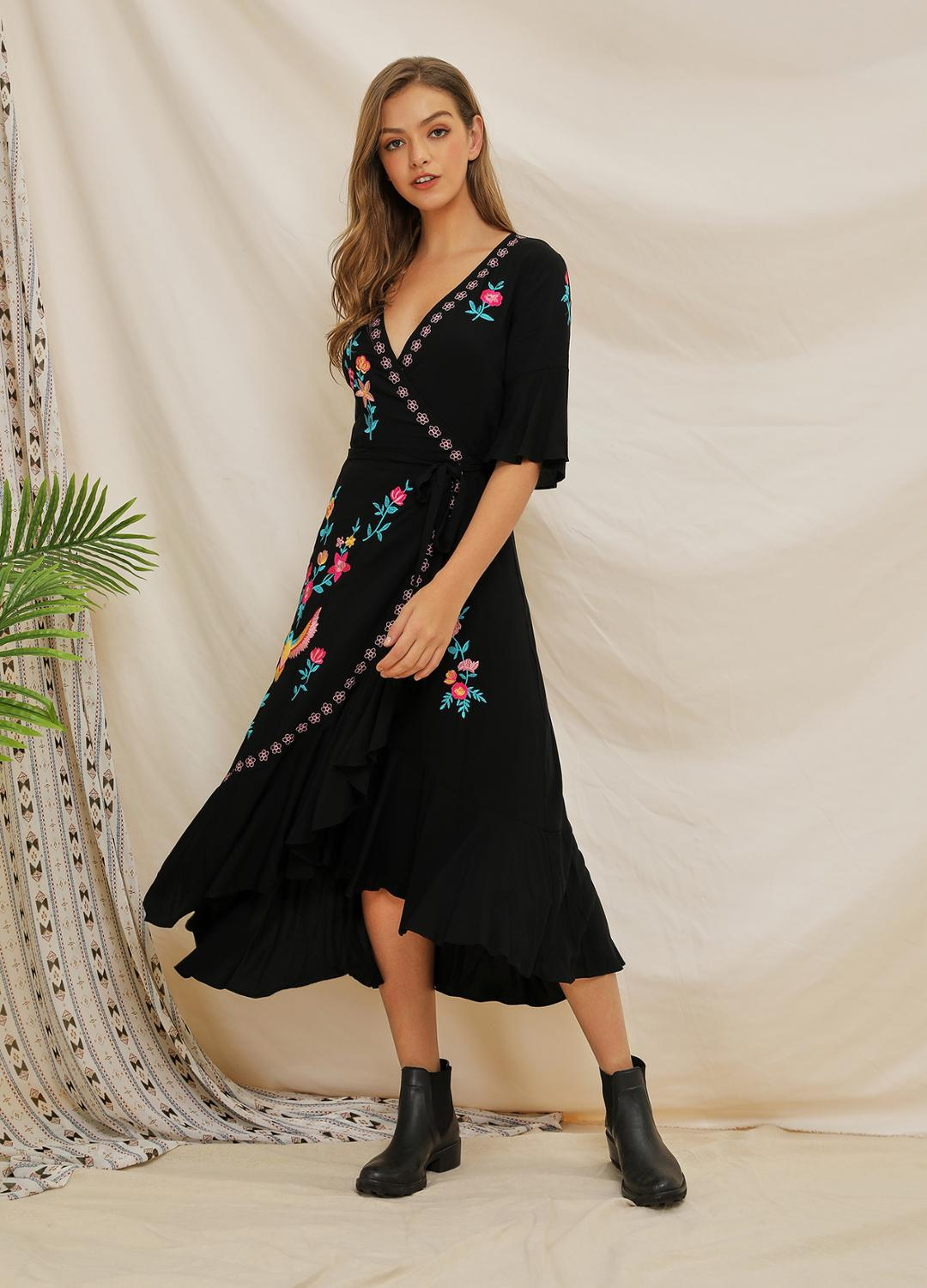 2020 Summer New Short-sleeved Heavy Industry Embroidered Lotus Leaf Stitching Bohemian Dress