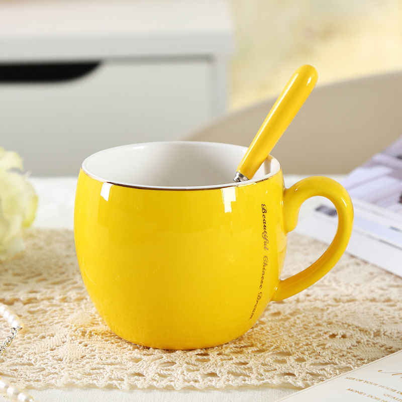 ที่มีสีสันถ้วยเซรามิกขนาดใหญ่ปากถ้วยกาแฟถ้วยวันเกิดของขวัญแก้วพิเศษช้อนถ้วยและแก้วน่ารักแก้วกาแฟ