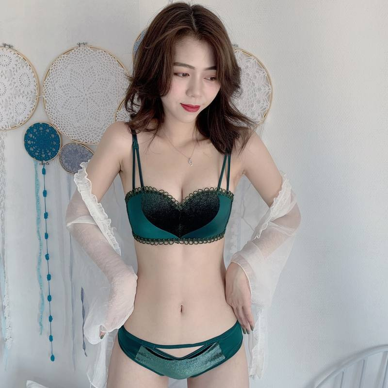 High Quality Women Heart Sexy Lace Underwear Push Up Bra Set Comfortable Seamless Brassiere Winter Thicken Lingerie Panties Set