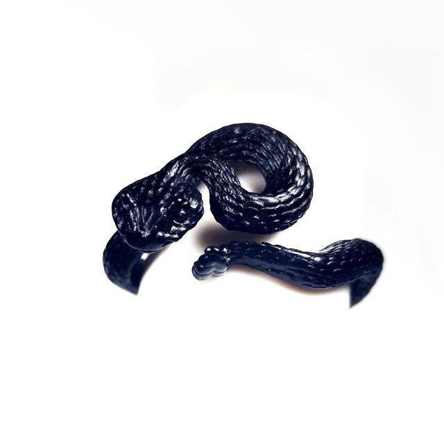 Bague serpent noir