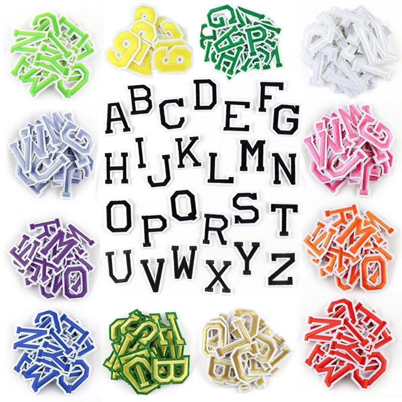 26 adet/takım A-Z pembe altın İngilizce alfabe harf yama karışık işlemeli demir on çocuklar karikatür yamalar giysi çıkartmalar rozeti