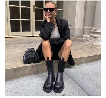 New Luxury Chelsea Boots Women Ankle Boots Chunky Winter Shoes Platform Ankle Boots Slip On Chunky Heel BV Boot Brand Designer 6
