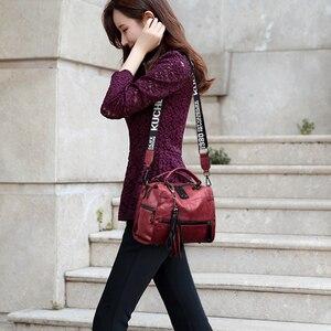 Image 4 - Luksusowe marki miękkie skórzane torebki Vintage pomponem torebki damskie projektant kobiet dużego ciężaru torby Crossbody torby dla kobiet torba na ramię