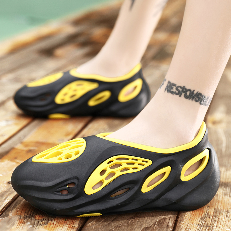 Summer Men's Sandals Slip On Breathable Water Beach Jelly Shoes Fashion Lightweight Yzy Slides Foam Run Men Clogs Big Size 40-45 4