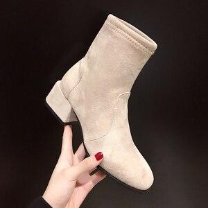 Image 5 - أحذية بوت نسائية بكعب مربع موديل 2020 أحذية ثلج أحذية نسائية غير رسمية للربيع أحذية بوت عصرية