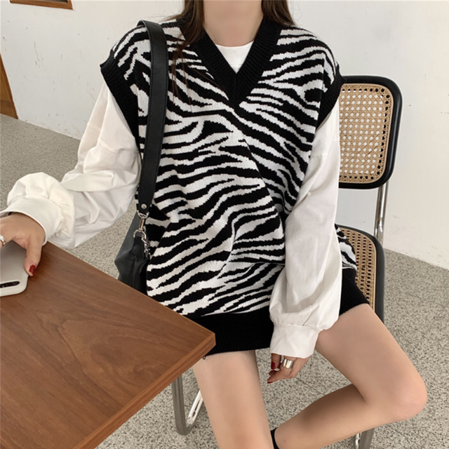 Women Waistcoat Sweater Vest Fashion Zebra Pattern Knitted Sweaters Pullover V Neck Autumn Winter Warm Tops Loose Woman Clothes 2
