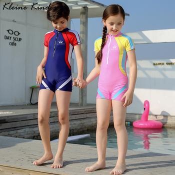 Sportowe stroje kąpielowe dla dzieci 3-15T jednoczęściowy strój kąpielowy z czepek kąpielowy dla dzieci konkurs treningowy strój kąpielowy dla chłopców dziewczęce ubrania kąpielowe tanie i dobre opinie KLEINE KINDER Poliester spandex Unisex Pasuje prawda na wymiar weź swój normalny rozmiar GEOMETRIC Children Swimming Suit Girls