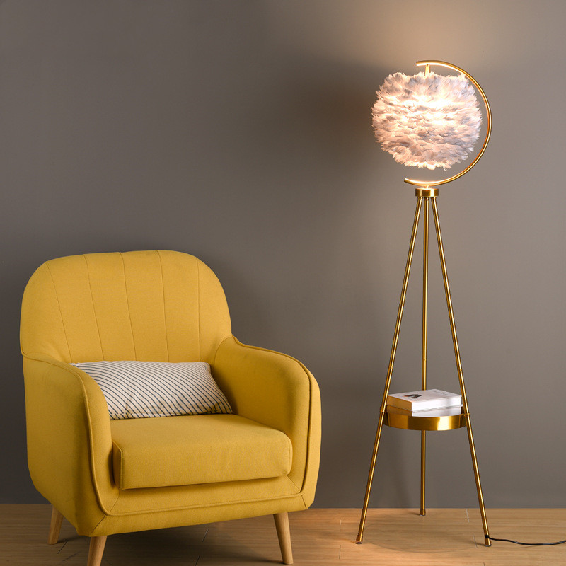 Moderm Creative Golden Vertical Table Lamp Triangle Standing Feather Floor Lamp For Bedroom Living Room Remote Light