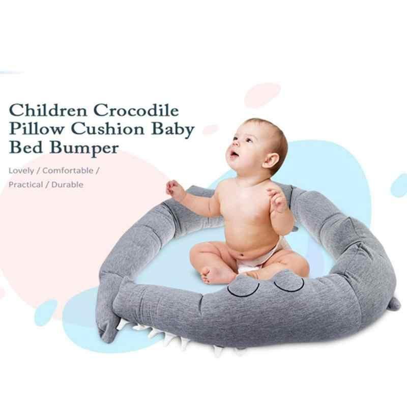 Recién Nacido cama de bebé parachoques bebé almohada del bebé cama cuna cocodrilo almohadas parachoques almohadillas Bar bebé conjunto ropa de cama para bebé decoración de la habitación