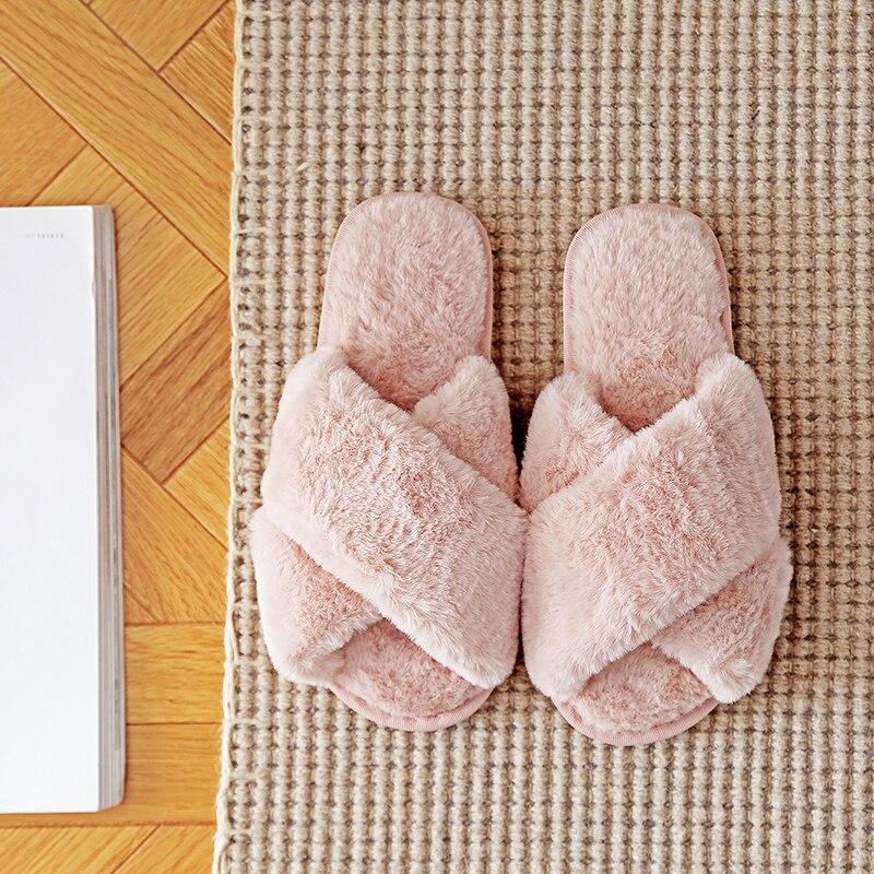 Pantofole da casa da donna invernali pelliccia sintetica moda scarpe calde donna Slip on appartamenti scivoli femminili pantofole pelose da casa accoglienti rosa nere 2
