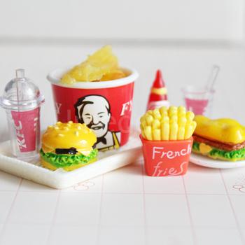 1 6 skala udawaj zagraj w miniaturowy domek dla lalek Mini Hamburger frytki Fast Food dla BJD lalka barbie akcesoria kuchenne zabawka tanie i dobre opinie Umedolly Z żywicy Zestaw zabawek kuchennych Not real only for pretend play Unisex 6 lat Jedzenie DL897