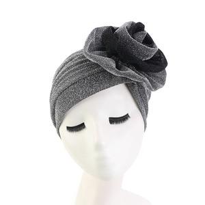 Image 5 - חדש יוקרה נשים המוסלמי בהיר shinny טורבן Hijabs גדול פרח אלסטי בד ראש כובע גבירותיי מסיבת חתונת אבזרים לשיער