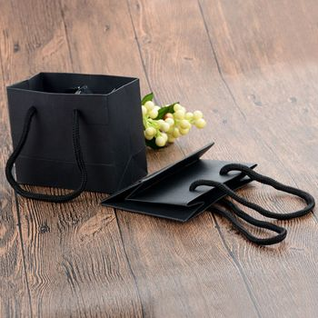 5 Pcs/lot Black High Quality Simple Gift Bag Kraft Paper Candy Box With Handle Wedding Birthday Party Gift Package Bag New Arriv 100 pcs paper gift bags with handles for wedding birthday party favors small bag present cosmetics jewelry kraft paper bag candy