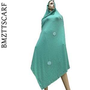 Image 1 - 100% Sciarpa di Cotone Morbido KASHKHA Sciarpa per gli Afro Donne Musulmane Dubai Pregate Grandi Scialli con strass BM828