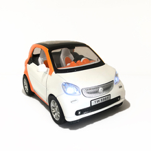 1:32 Scale Diecast Vehicle Alloy Model For Smart For Two Metal Simulation Miniature Car Model Collection Children Gift free ship new arrival gift pnmr 1 18 large metal model car sport drive model scale alloy collection vehicle toys car pro fans show