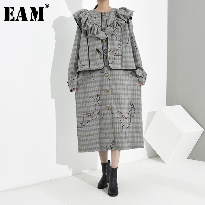 [EAM] Women Plaid Ruffles Big Size Trench New Lapel Long Sleeve Loose Fit Windbreaker Fashion Tide Spring Autumn 2020 1B7380