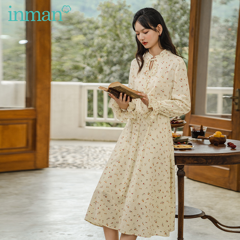 INMAN 2020 Autumn New Arrival Pale Apricot Floral Bow Tie Romantic Lace Cuffs Long Sleeves Dress