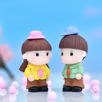 ZOCDOU 1 Piece Hat Couple Doll Decoration Bachelor Costume Doll Garden Home Car Desk Crafts Miniatures Decor Ornament image