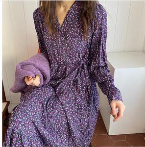 Image 5 - 2020 wiosenna, w kwiatki sukienki z nadrukiem długie kobiety Flare rękawem linia Temperament pani fioletowy data Korea styl sukienka Vintage 1226