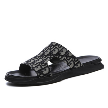 2020 New Hot Summer Men Slippers Casual Black Shoes Non-slip Slides Bathroom Sandals Soft Sole Women Slides Slippers Plus Size 2020 summer cool rhinestones slippers for male gold black loafers half slippers anti slip men casual shoes flats slippers wolf