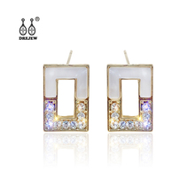 DREJEW Green Gold Rectangular Rhinestone Statement Earrings 925 Custom Alloy Stud Earrings Sets for Women Wedding Jewelry HE0121 цена и фото