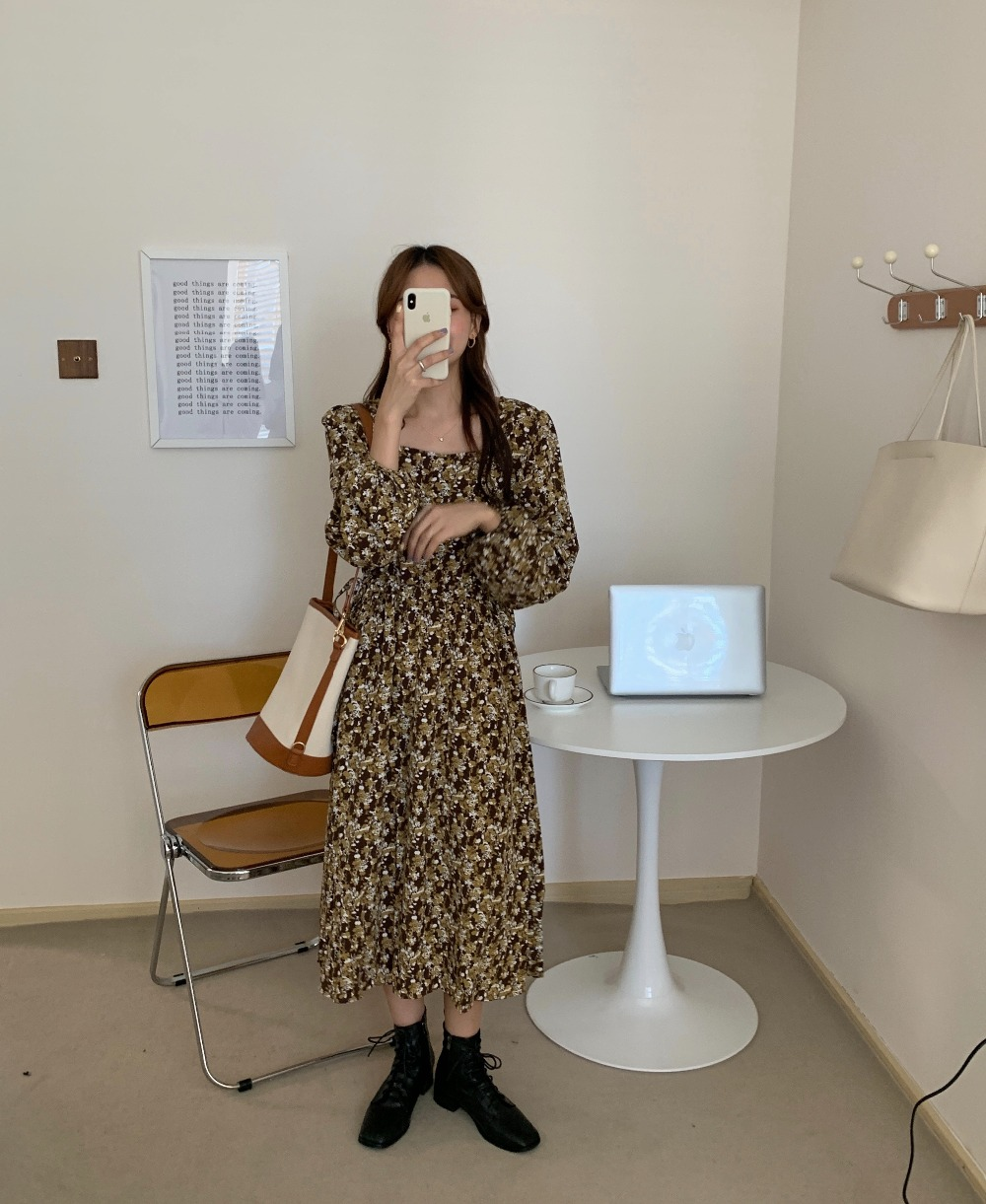 Hcc73754cad294be3b10aec505559d76c2 - Autumn Square Collar Lantern Sleeves Floral Print Midi Dress