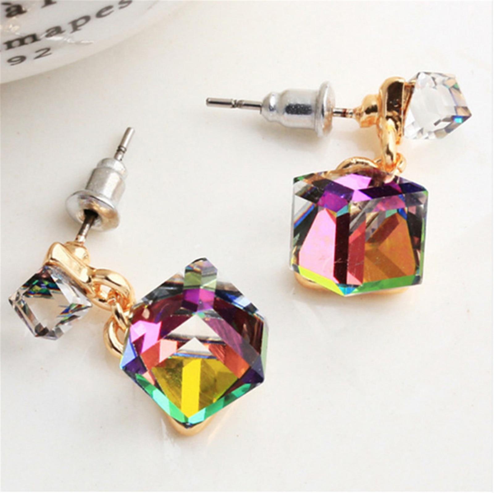 Корейские винтажные геометрические серьги-гвоздики для женщин и девочек, модные Прошитые квадратные серьги популярного цвета с кристаллам...