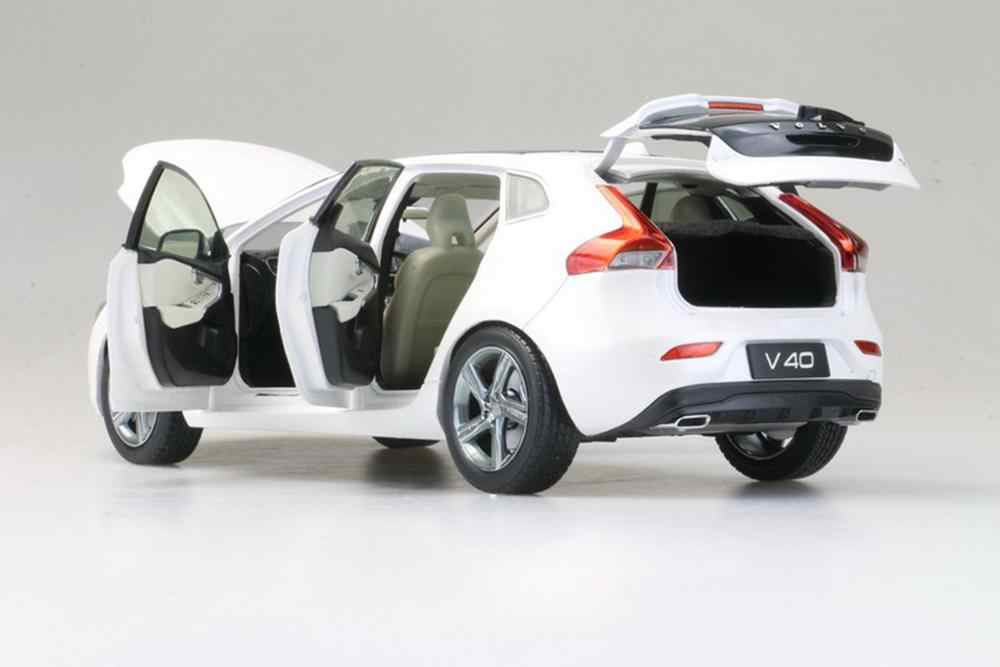 1//18 Scale Volvo XC40 SUV White Diecast Car Model Toy Collection Gift