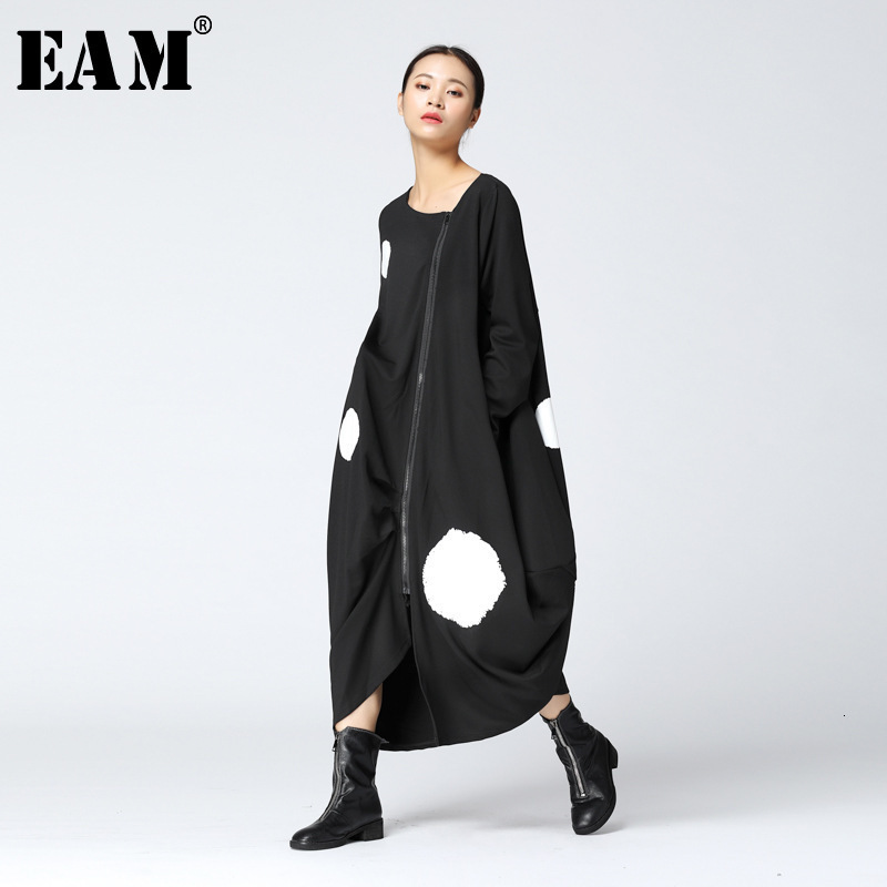 [EAM] 2020 New Spring  Round Neck Long Sleeve Solid Color Big Dot Split Joint Loose Big Size Black Dress Women Fashion JA88501