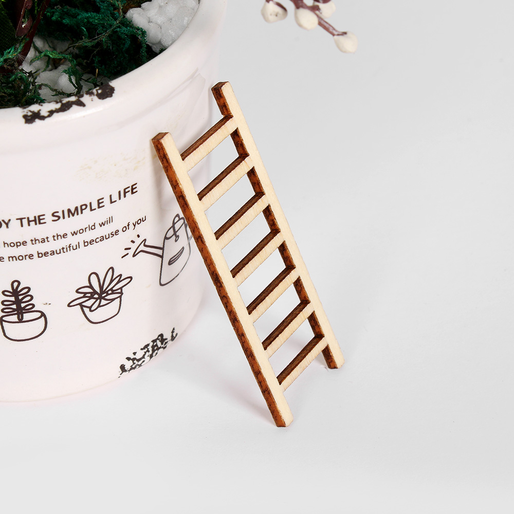 Mini Garden Wood Ladder 4.75 Inch 1Pc