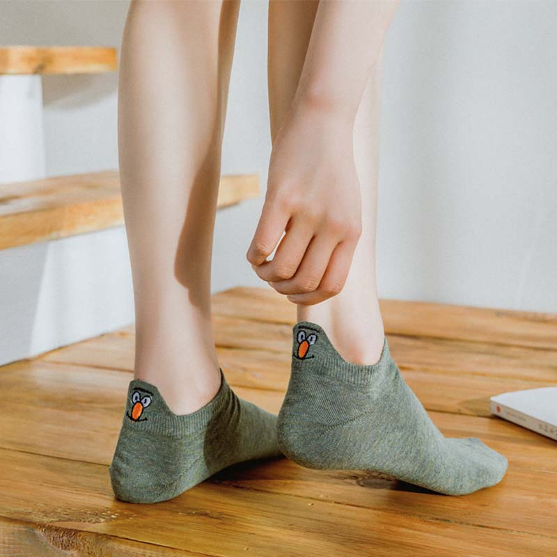 Kawaii-Embroidered-animal-Expression-Women-Socks-Happy-Fashion-Ankle-Funny-Socks-Women-Cotton-Summer-1-Pair(5)