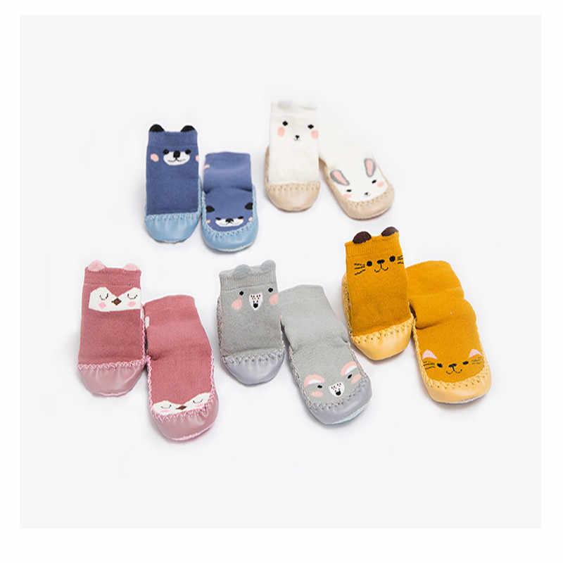 Nuevos calcetines de estilo zapatillas para niños pequeños moda bebés niñas niños lindos animales de dibujos animados gruesos calcetines calientes NIÑOS Calcetines antideslizantes zapatillas