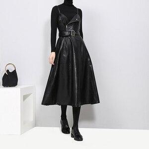 Image 2 - 2020 styl angielski kobiety Faux Leather czarny Midi Sexy bez rękawów sukienka z PU pas linii Spaghetti pasek eleganckie sukienek 3014