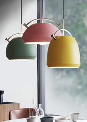 Żyrandol postmodernistyczne oryginalność salon sypialnia lada barowa osobowość makaronik pojedynczy klosz aluminiowy żyrandol w Wiszące lampki od Lampy i oświetlenie na