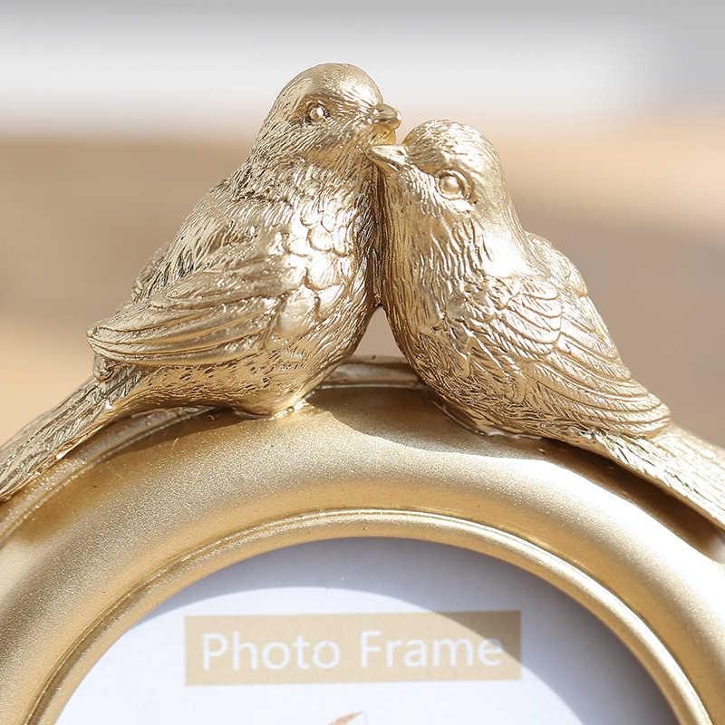 高級エンボス加工フォトフレームゴールド家族写真ホルダー樹脂鳥の花のフレームのための写真家の写真の壁の装飾アクセサリー