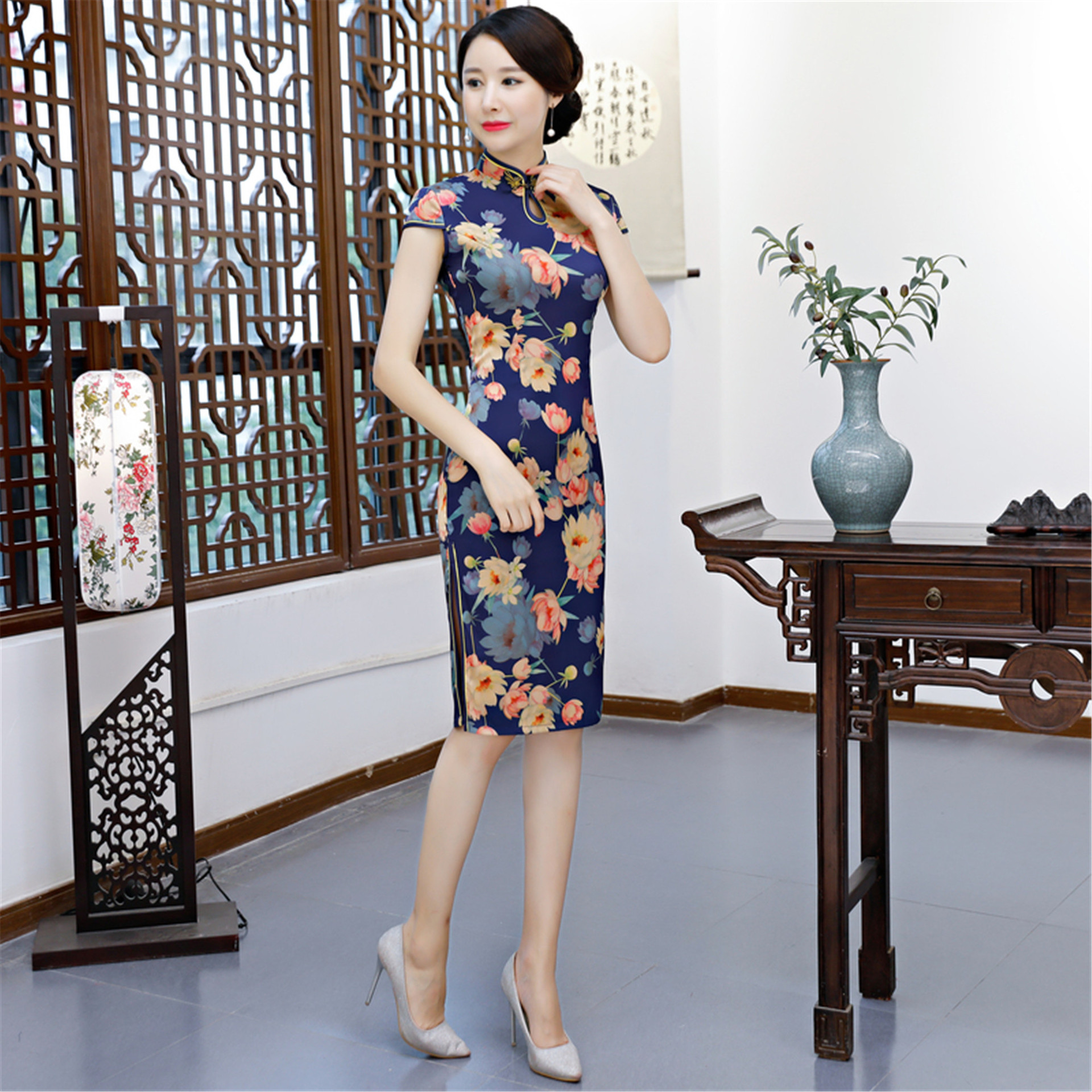 2019 Mid-length Cheongsam Dress Middle-aged Women Dress Summer Improved Cheongsam Traditional Sleeve Chinese Style Cheongsam Chi