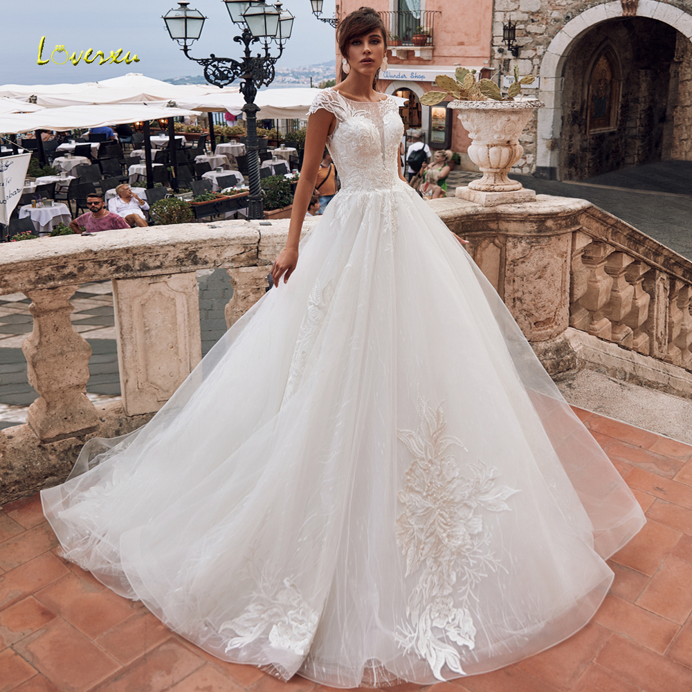 Loverxu Sexy Illusion Button Lace Princess Wedding Dresses 2020 Luxury Applique Beaded Court Train Vintage A Line Bridal Gowns