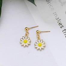 Sweet and Versatile Small Fresh Daisy Flower Earrings Korea Creative Personality Temperament Simple