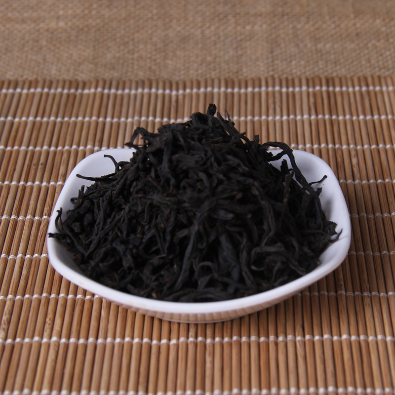 Chinese ZhengShanXiaoZhong Superior Oolong Tea the Green food For Health Care Lose Weight 2