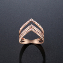 NJ Unique Design Triangle Rose Gold Wedding Ring For Woman Chic Crystal Fashion Hollow Special Rings Girls Gift