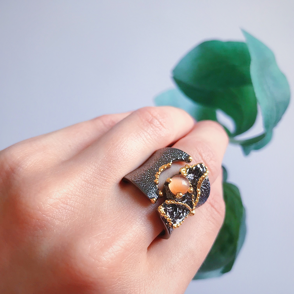 WA11609 Fissure Rings for Women Split On Top Black Gold Color with Light Brown CZ Stone Wholesale (3)