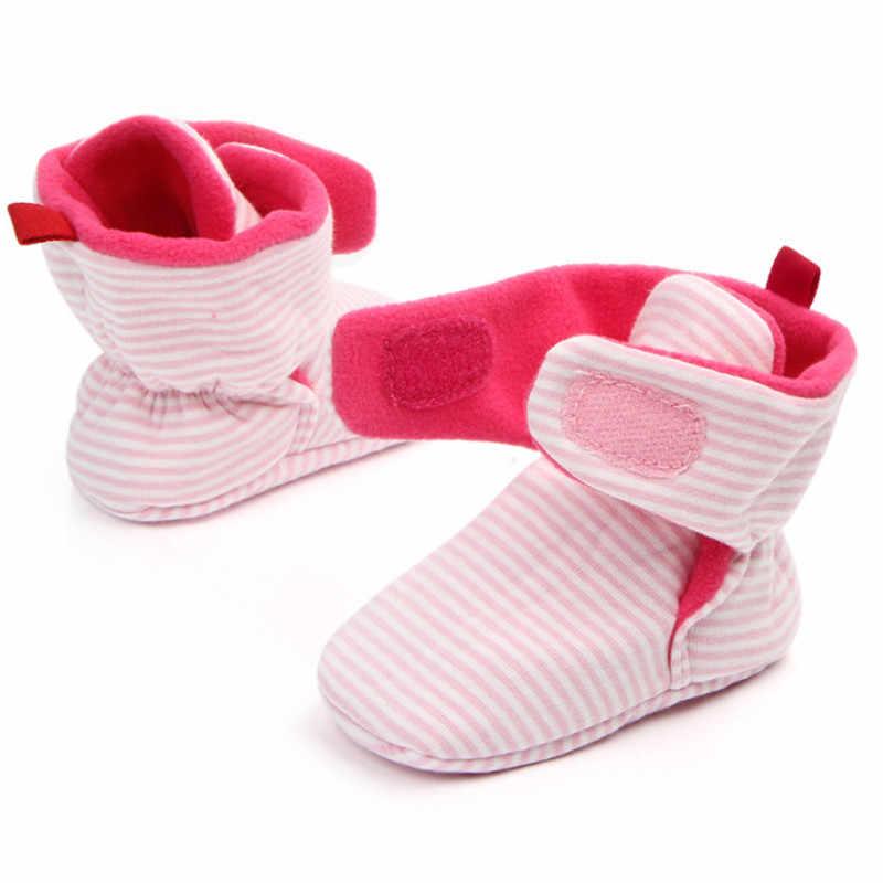 Unisex bebek yeni bebek ayakkabıları yenidoğan Cozie sahte polar Bootie kış sıcak bebek yürüyor beşik ayakkabı klasik zemin erkek kız çizmeler